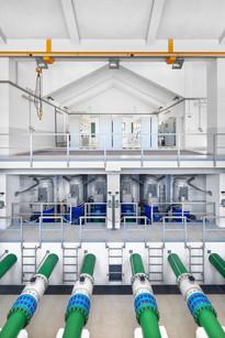 Indústria - tratamento de águas -  sala de máquinas