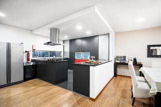 Fotografia de Interiores - Cozinha de alojamento local