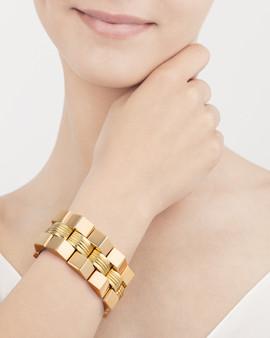 Fotografia de Produto - Joalharia - pulseira em modelo