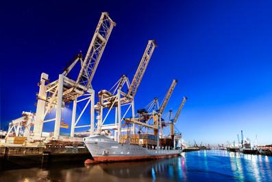 Indústria - transporte marítimo (porto de Leixões)