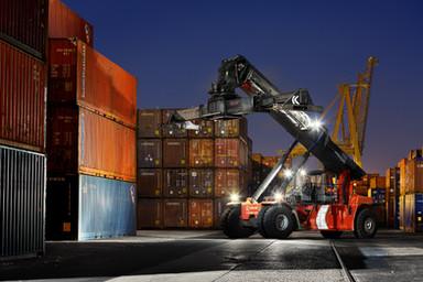 Industrial - logística no porto de Lisboa
