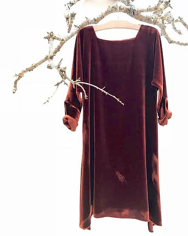 v209 square neck dress