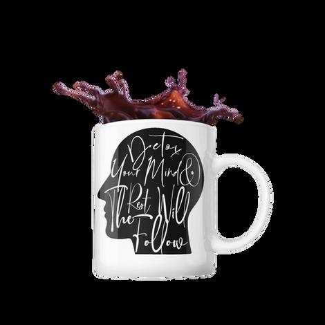 mockup-of-an-11-oz-mug-with-splashing-co