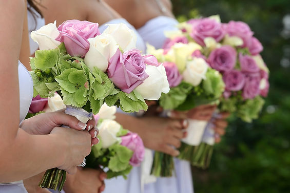 bigstock-Bridesmaids-Holding-Bouquets-32