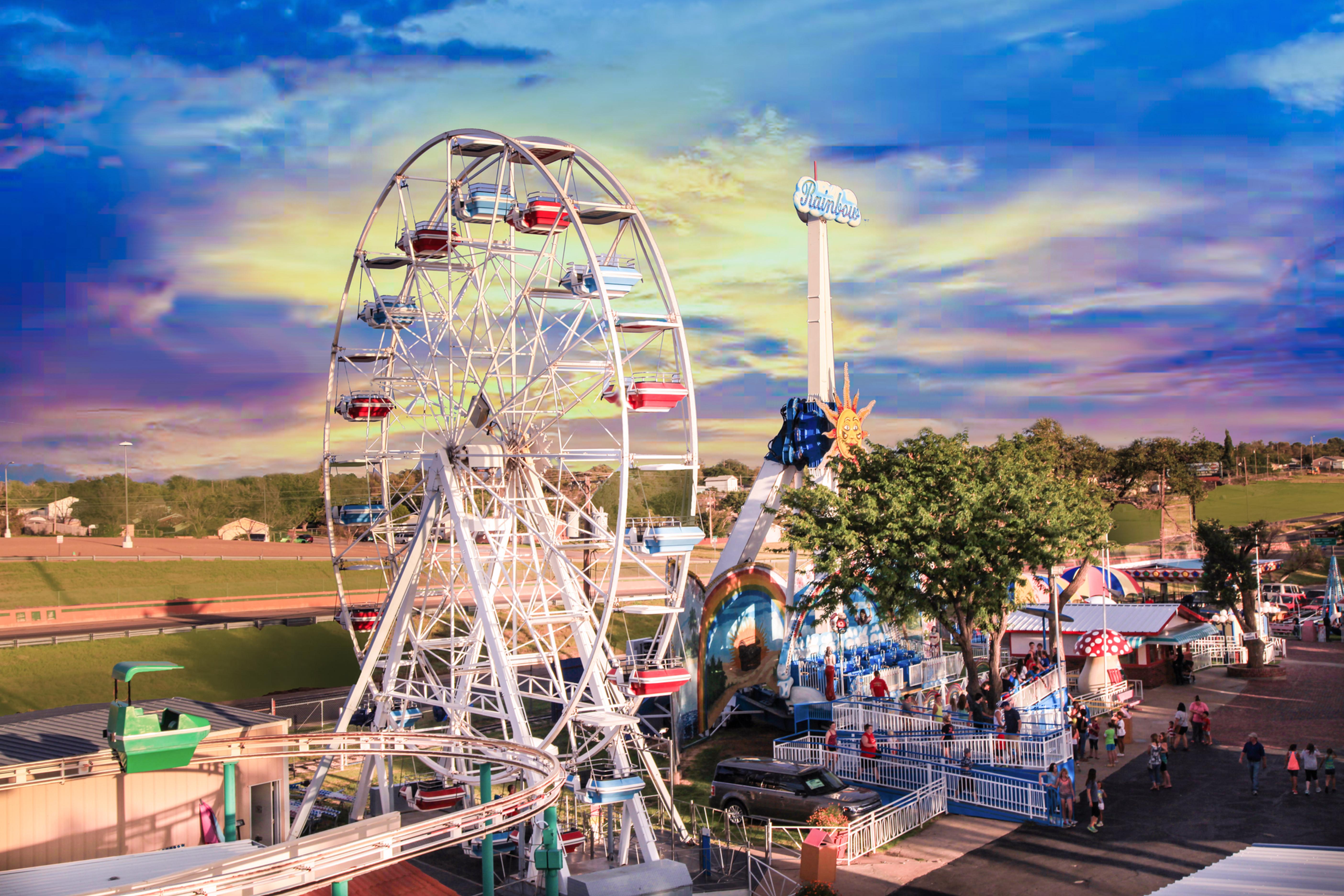 Wonderland Park Calendar, Hours & Pricing