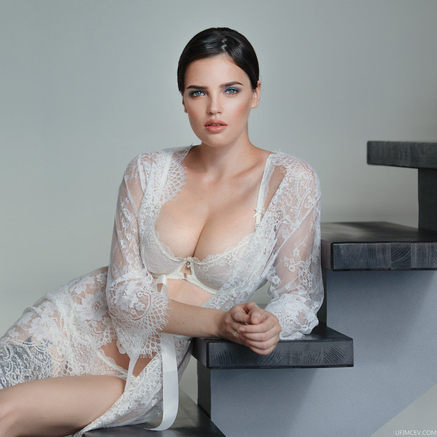 Learn Indoor Glamour Photography