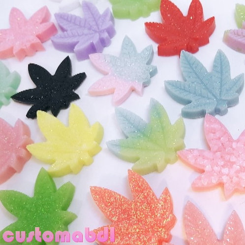 Resin Leaves (6 Pieces, Assorted Colors)
