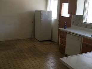 kitchen before 2 .jpg
