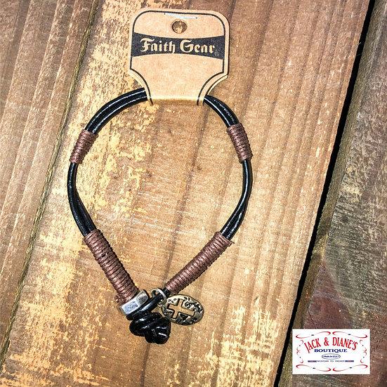 Kerusso Faith Gear Guy's Bracelet Oval Cross