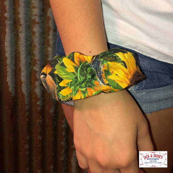 Southern Belle Sunflower Print Scrunchie Large