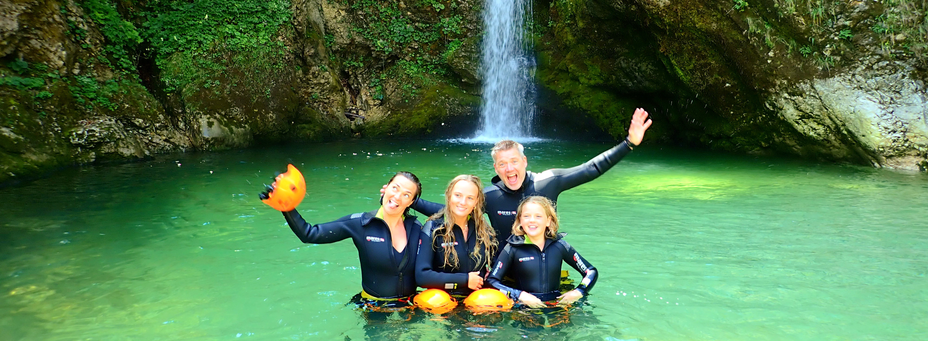 Family-canyoning-bled_edited