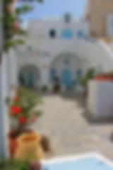 courtyard aethrio, yoga retreat, yoga in santorini, yoga retreat in santorini