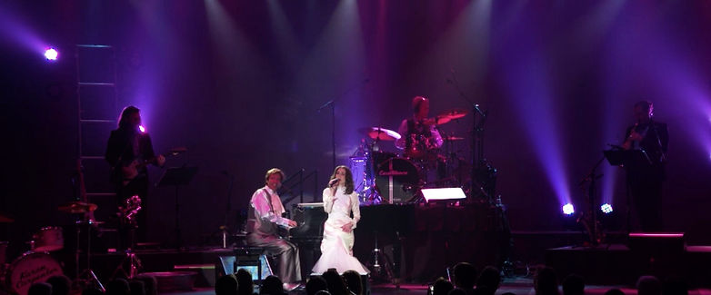 Carpenters Tribute Concert Sally Olson CasaBlanca Resort & Casino