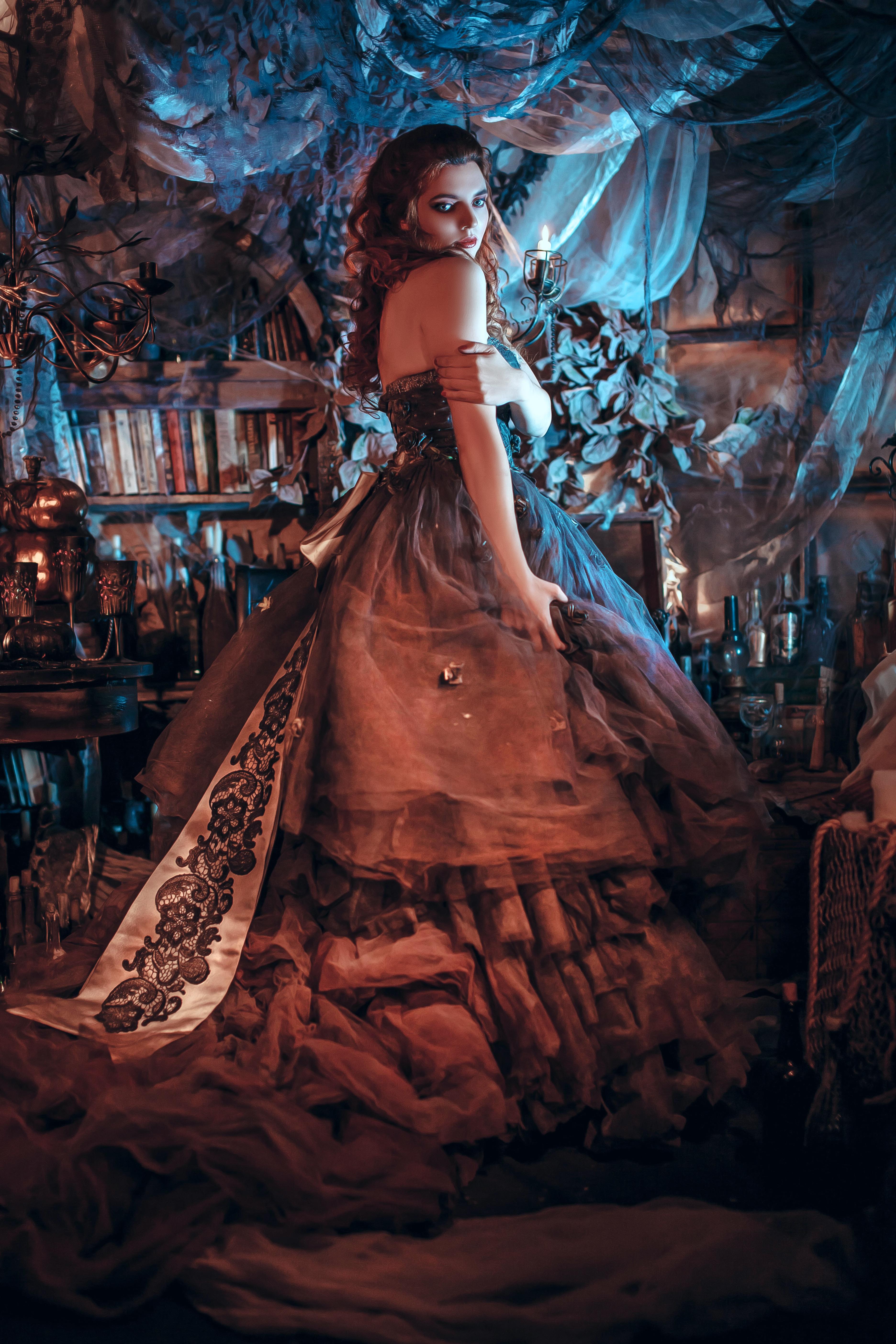 готический этюд в пышном платье