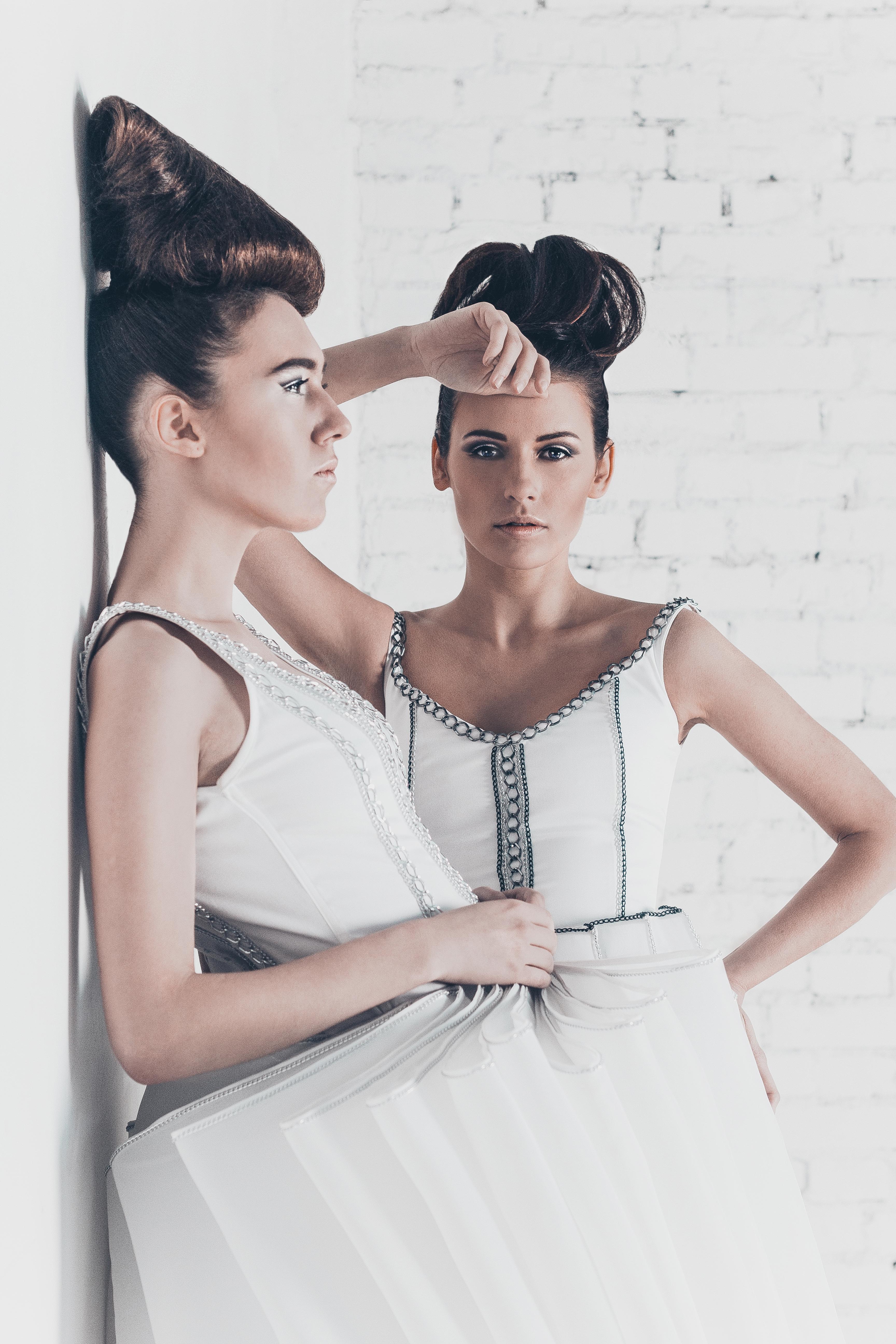 рекламное фото дизайнерских платьев