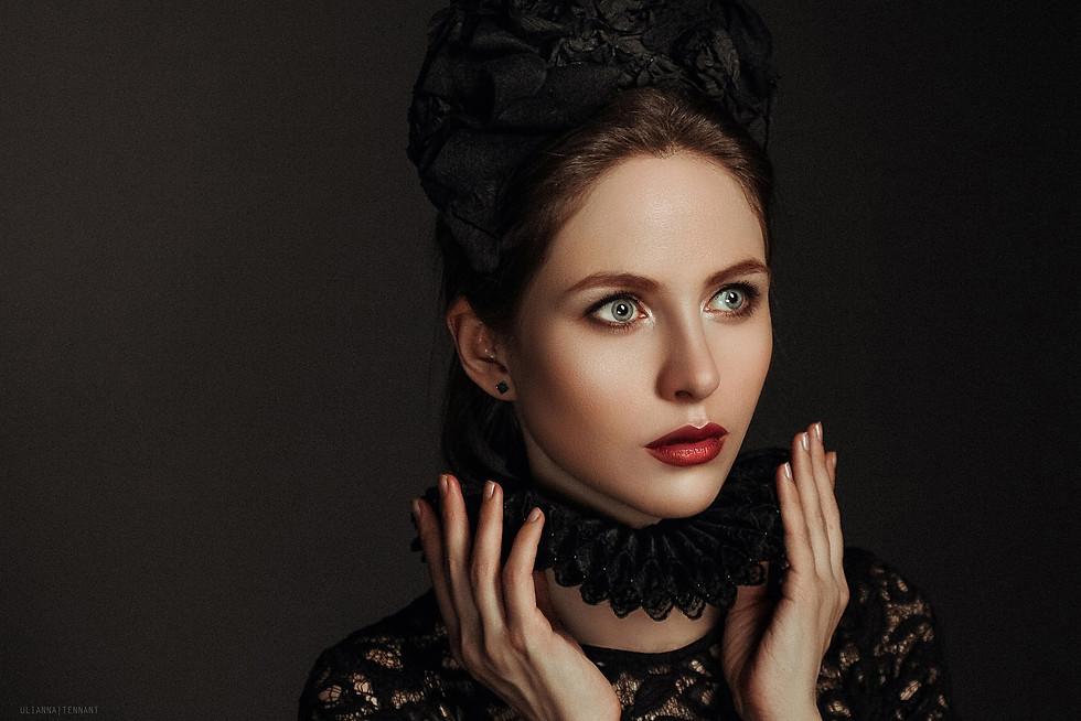 портрет девушки в кокошнике