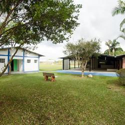 Salão e área coberta