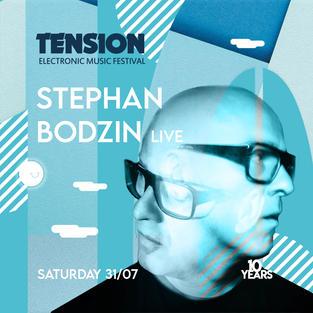 Stephan Bodzin ist ein alter Hase im Business und einer der wohl talentiertesten Produzenten und Live-Acts überhaupt. Sein musikalischer Werdegang geht Hand in Hand mit seinem Imprint Herzblut Records, auf welchem er über die letzten 20 Jahre unzählige Perlen veröffentlicht hat.