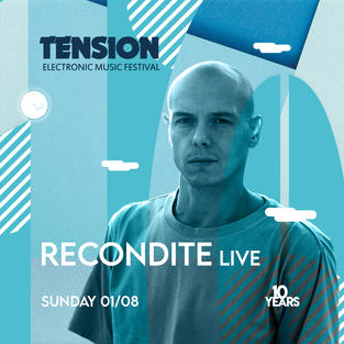 """Recondite ist bekannt für seine ausschweifenden, technoiden Live-Sets und wurde diesbezüglich im Rahmen der DJ Awards 2014 als """"Best Electronic Live Act"""" ausgezeichnet. Zusammen mit Rødhad ist er der Vorzeigekünstler auf dem Techno-Überlabel """"Dystopian""""."""