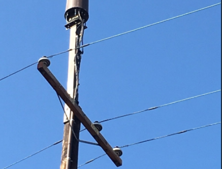 FCC issues two rulings on pole attachments