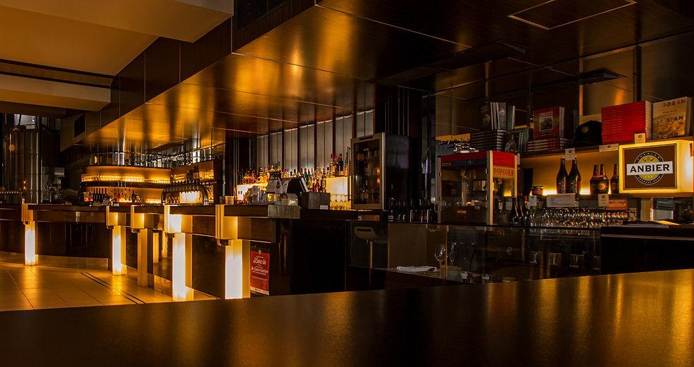 cena bar luminoso.jpg