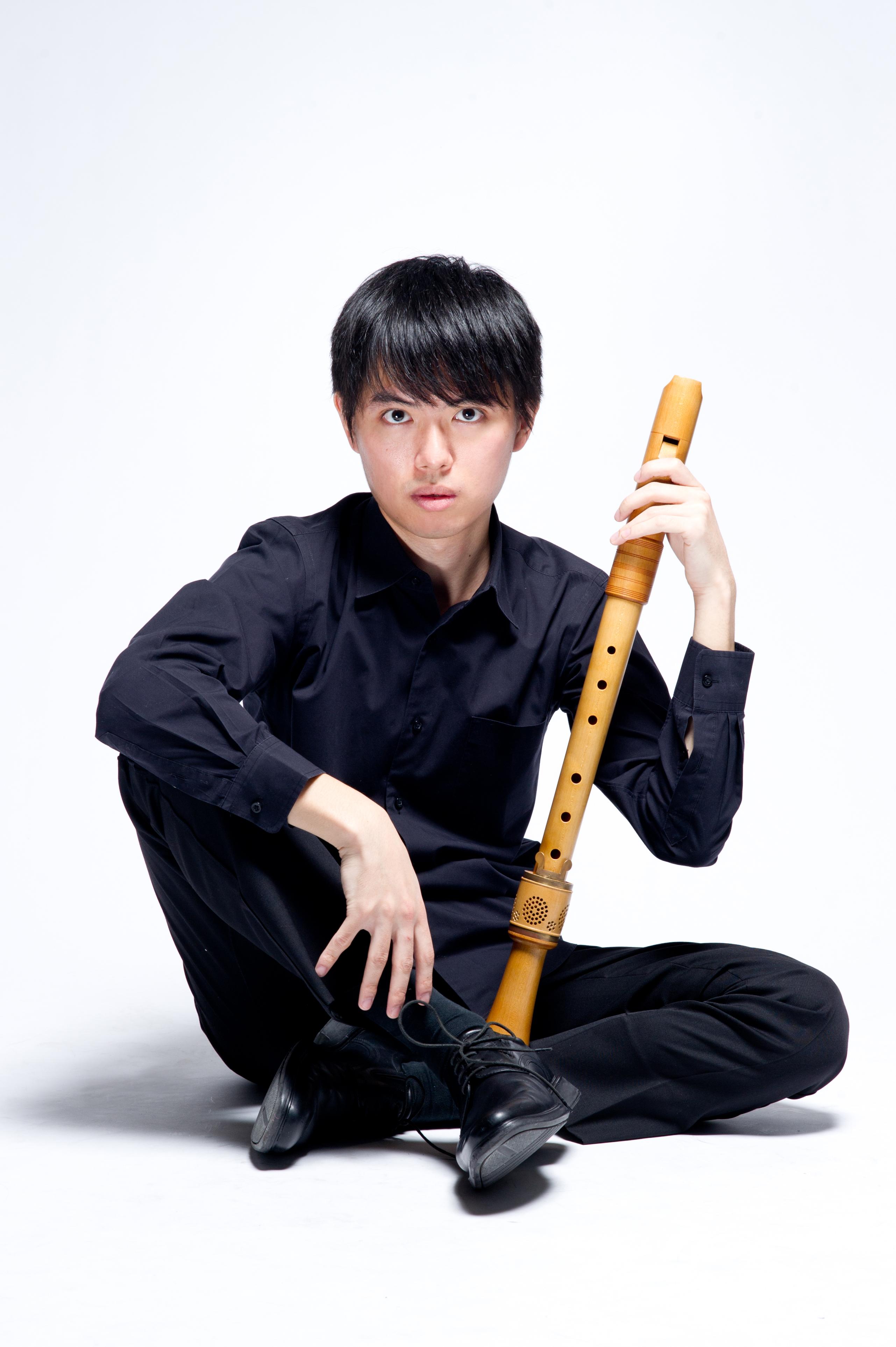 菅沼 起一 Kiichi SUGANUMA(リコーダー)
