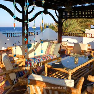 star-of-asalah-roof-seats.jpg