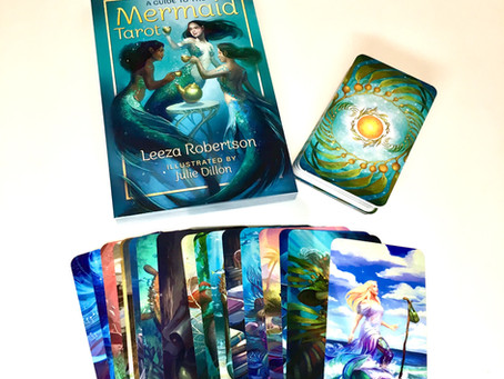 Tarot Deck Review: Mermaid Tarot by Leeza Robertson