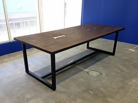 Temú Conference Table