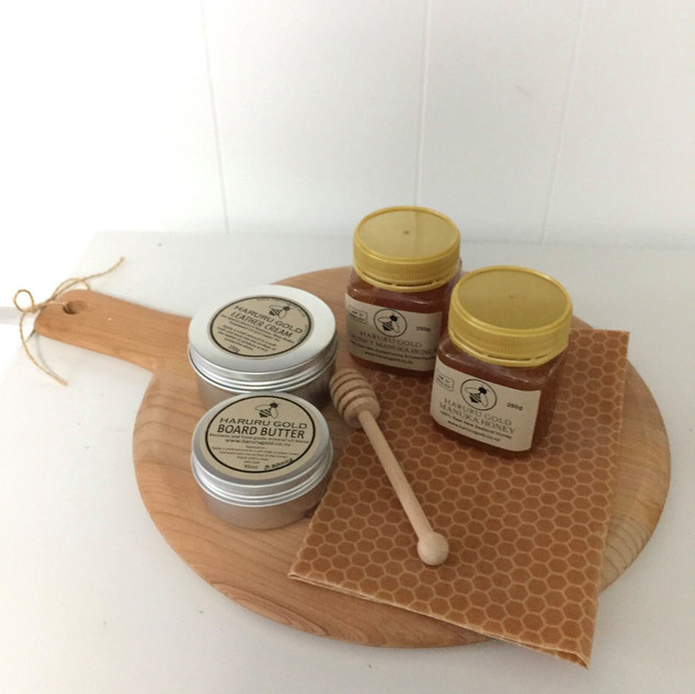 Haruru Gold Manuka Honey and beeswax pro