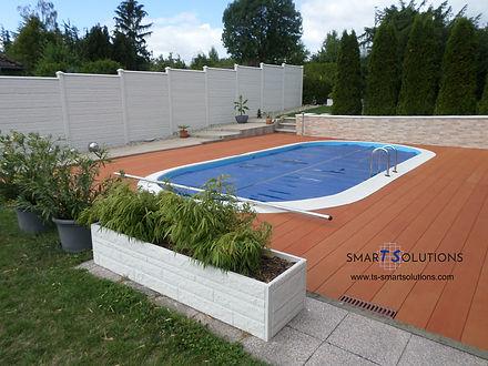 Poolterrasse Resysta mit Logo 2.jpg