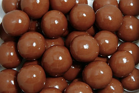 milk-chocolate-pretzel-balls-hr.jpg