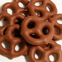 7110 - Pure Milk Chocolate Pretzel.jpg