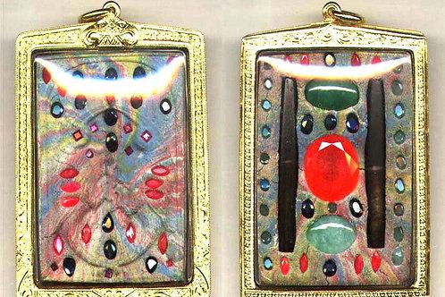 Kruba Krissana's special Saliga amulet with Trakrut Taravadi era