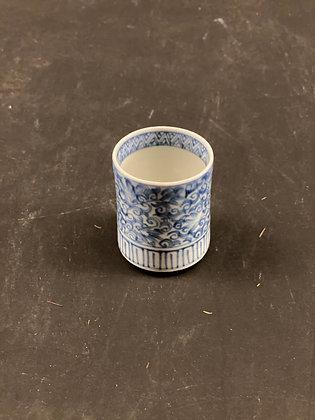 Imari sake Cup [DW-C 331]