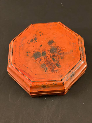 Red Lacquer box [M-B 271]