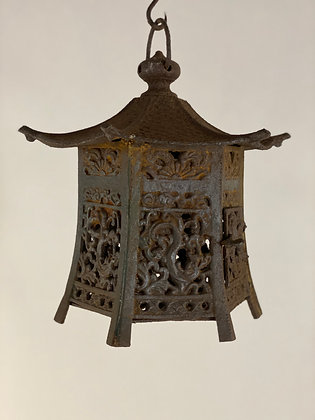 Temple lantern [G-L 139]