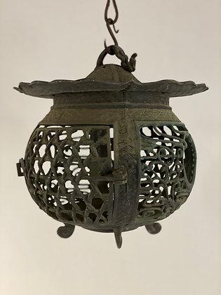 Temple lantern [G-L 126]