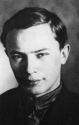 Аркадзь Куляшоў: а заўтра была вайна