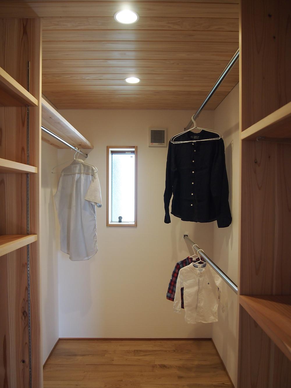 ウォークインクローゼット 木の家 滋賀 工務店