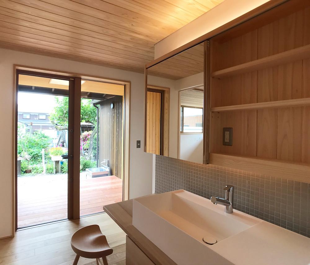 造作洗面台 モザイクタイル 木の家 滋賀 工務店