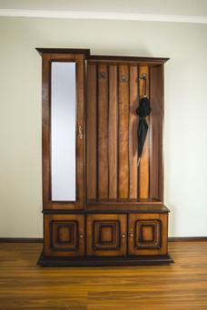 Cuier cu dulap ușă oglindă