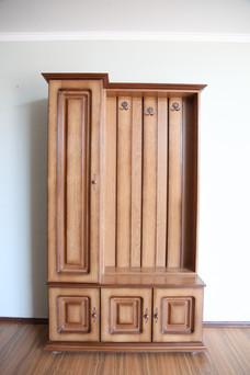 Cuier cu dulap uși pline