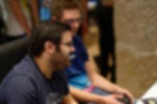 Gamers en train de jouer aux jeux vidéo