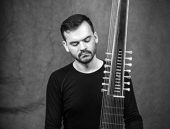 Jakub Mitrík, theorbo