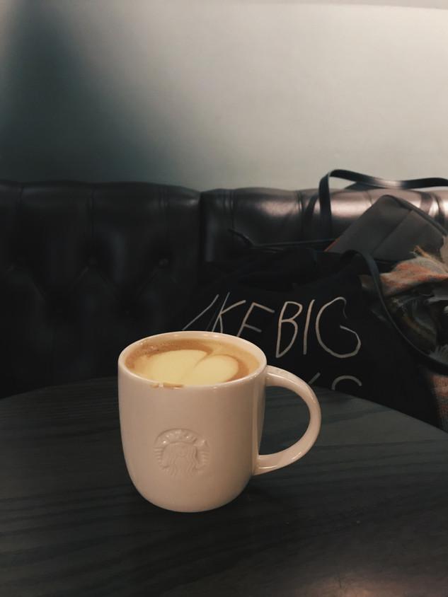 Mini Review: Starbucks' Tumeric Latte