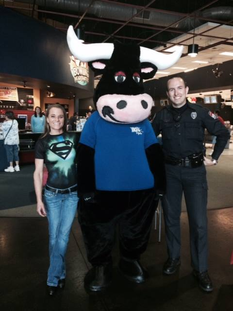 Leslie with Bo and an LPD Officer