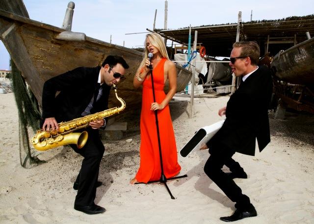 Dubai Singer Trio Live Music