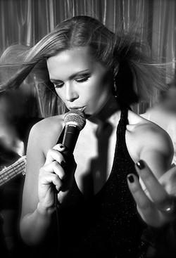Artist Singer Dubai - Helsinki