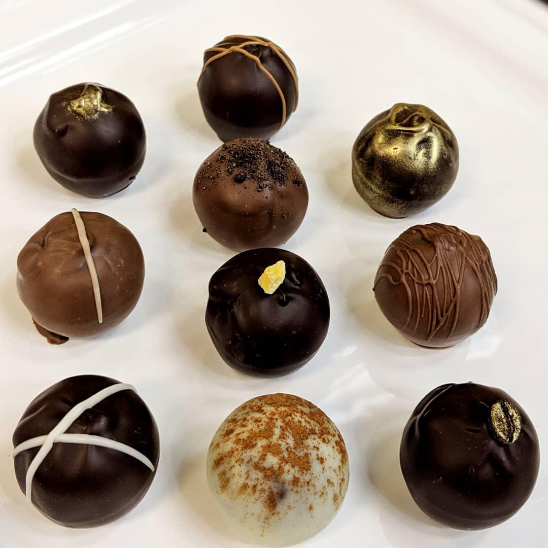 chocolate_manor_57156443_403283296933705